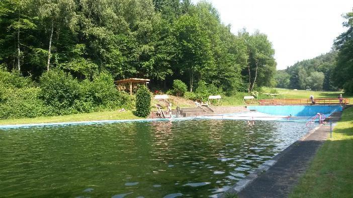 Naturschwimmbad02